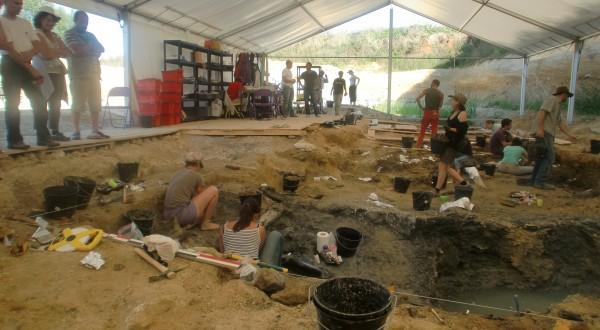angeac-site-fouilles-dinosaures-600x330.jpg